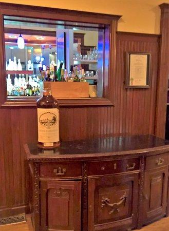Cuisine american restaurant 670 lothrop rd in detroit for Cuisine 670 lothrop detroit