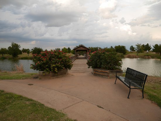 Childress, TX: Entrance to Bridge
