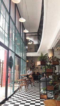 M2C cafe : ground floor view