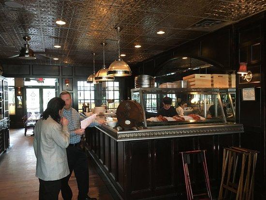 Brasserie du Soleil : A light-filled dining room compliments a more intimate, darker bar.