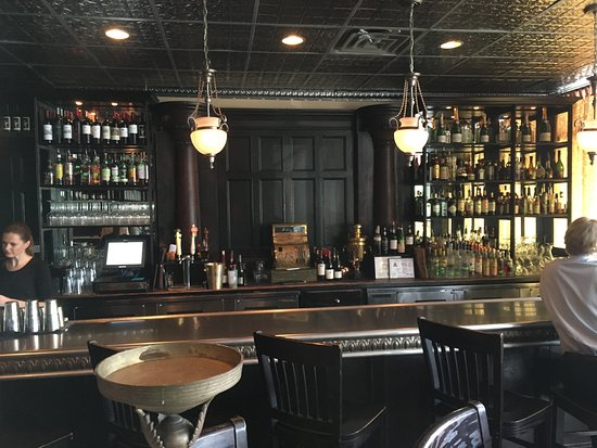 Brasserie du Soleil captures the casual flair of French or Belgian bistro dining.