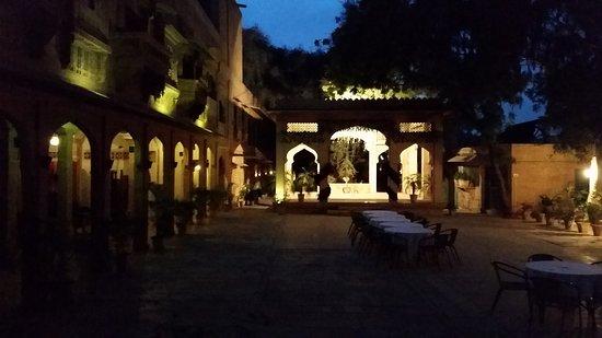 Narayan Niwas Palace: 20170203_185302_large.jpg