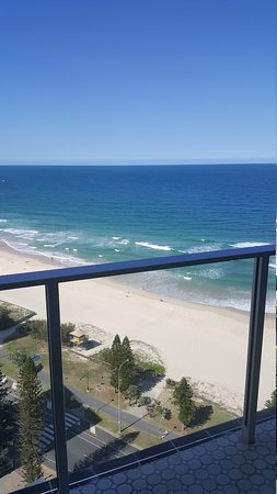 Hi Surf Beachfront Resort Apartments: 20170203_145656_large.jpg