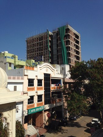 Vinayak Guesthouse: roof top deck view and restaurant