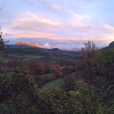 Comps-sur-Artuby, Prancis: Le hameau de la la souche au fond