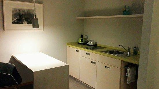 Hotel Michaelis: Gepflegte Küchenzeile mit Basisausstattung, die ich jedoch bei meinem Aufenthalt nicht genutzt h