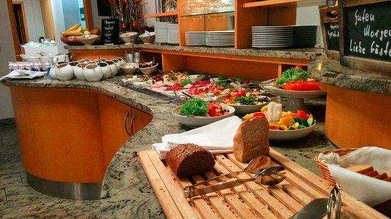 Hotel Michaelis: Das exzellente Frühstück gibt es im eigentlichen Hotel.