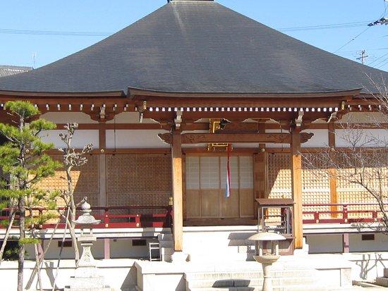 宝田山 蓮光寺