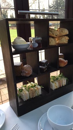 Stanwick, UK: Afternoon tea
