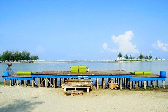 Pool - Picture of Mermaid Beach Resort, Cox's Bazar - Tripadvisor