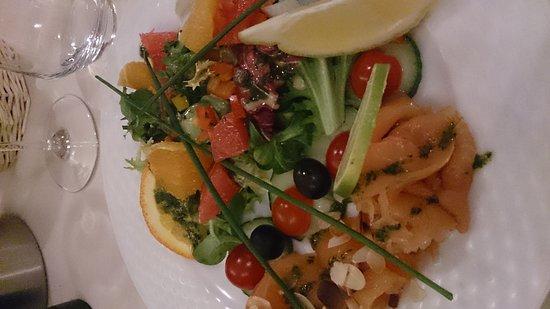L'Envie: Duo de truite et saumon fumé et salade d'agrumes