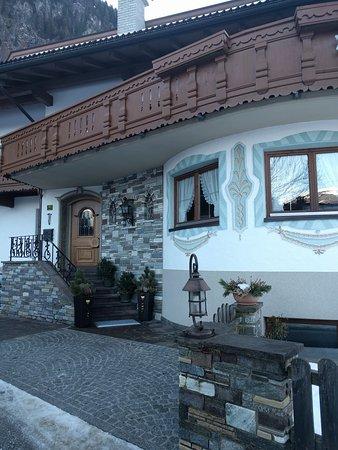 Hotel Garni Montana: IMG_20170204_092811_large.jpg