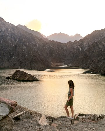 Experience the beauty of the vast Hatta Lake in Dubai