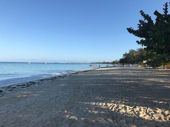 Merrils Beach Resort III: photo9.jpg