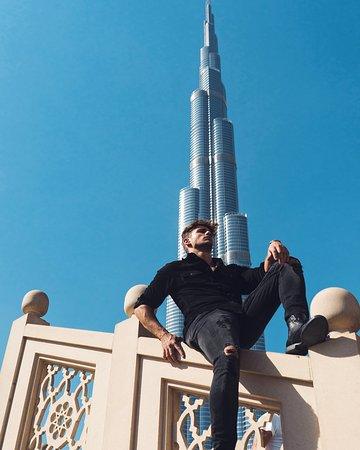 Dubái, Emiratos Árabes Unidos: Burj Khalifa is always a good backdrop for your photo in Dubai