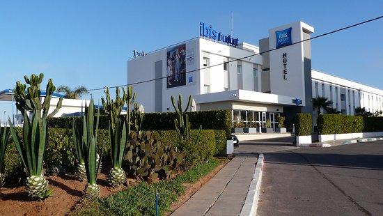Ibis Budget Agadir : Sur la nationale 1, pas loin de la station Africia