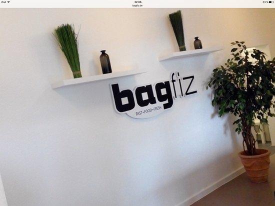 bagfiz - Bahnhof Xanten - Burger, Currywurst, Hausgemachte Fritten  www.bagfiz.de