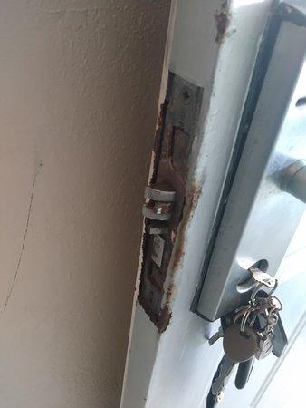 Hillsboro Beach, FL: rusted door entrance to my room