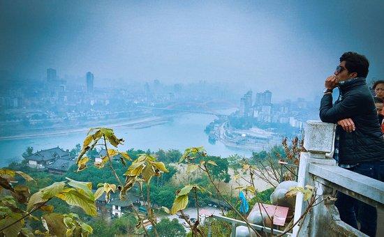Yinbin White Tower Mountain Scenic Resort: Dev Mehra at White Tower Yibin. 白塔山宜宾