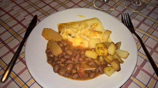"""Nebbiuno, Włochy: """"Toma alla griglia con fagioli e patate"""""""