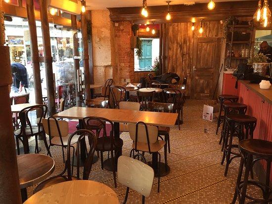 Restaurant le bistrot dans paris avec cuisine fran aise - Les cuisines francaises ...