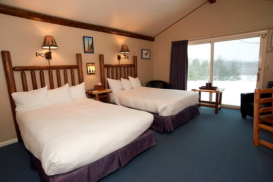 Manchester, VT: Room 3, two extra long double beds
