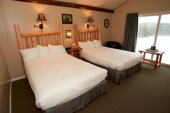 Manchester, VT: Room 7, two extra long double beds