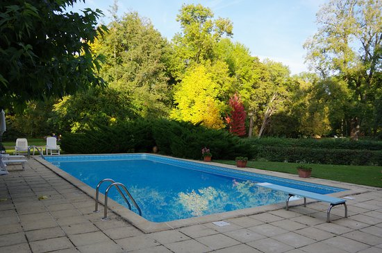 Larcay, Frankrijk: Vue sur la piscine