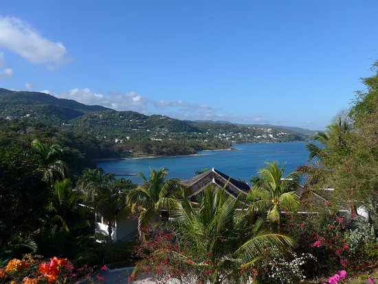 Round Hill Hotel & Villas: The view from our villa