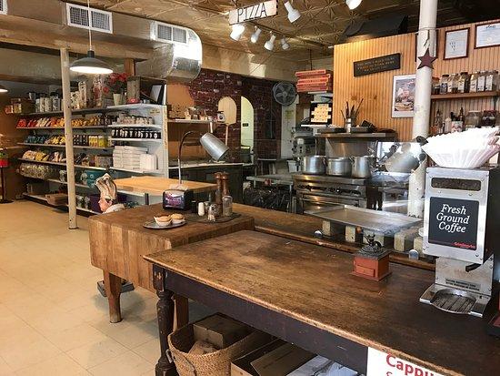Collinsville, CT: La Salle Market & Deli