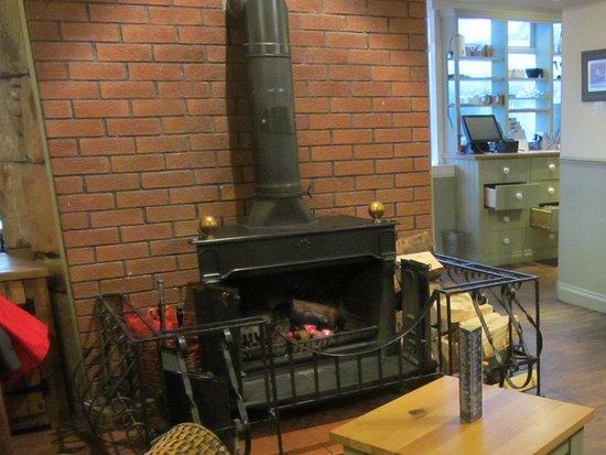 Lamlash, UK: Bar area and log fire