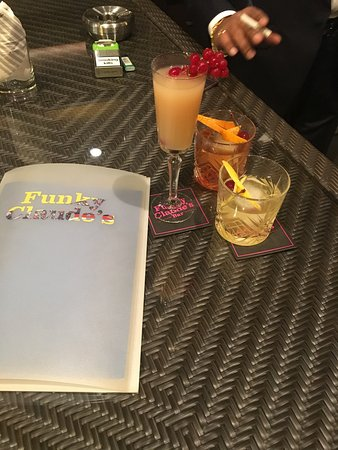 Funky Claude's Bar : Drinks by the menu