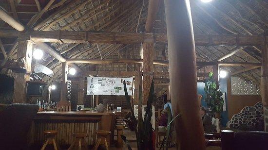 Totoco Eco-Lodge: Main lodge and bar