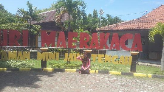 Taman Puri Maerokoco