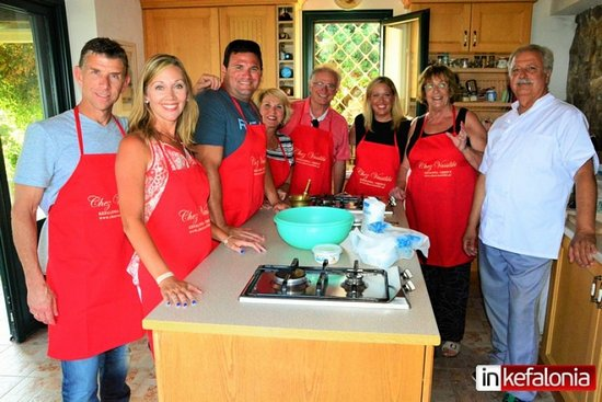 Karavados, Grèce: Let's enjoy a Greek cooking class followed by dinner with Vassiliki and Jorgos