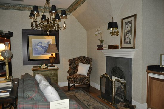 The Beaufort Inn: photo3.jpg