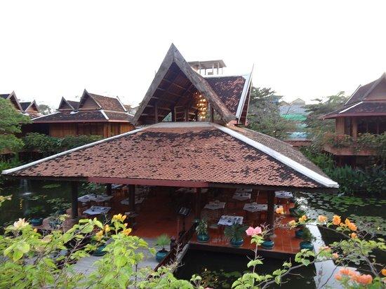 Angkor Village Hotel: DSC04026_large.jpg