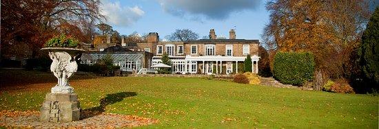 Brimington, UK: 29 acres of grounds......
