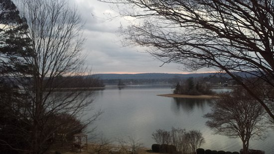 Lookout Point Lakeside Inn: 20170201_175220_large.jpg