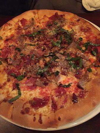 Enzo's Italian : Meat Pizza