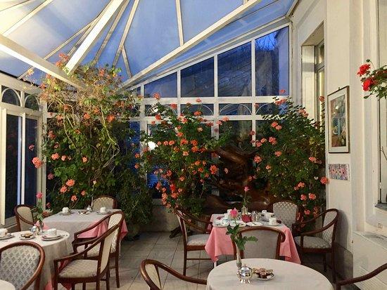 Hotel l'Ecrin: jardin d'hiver pour le petit-déjeuner