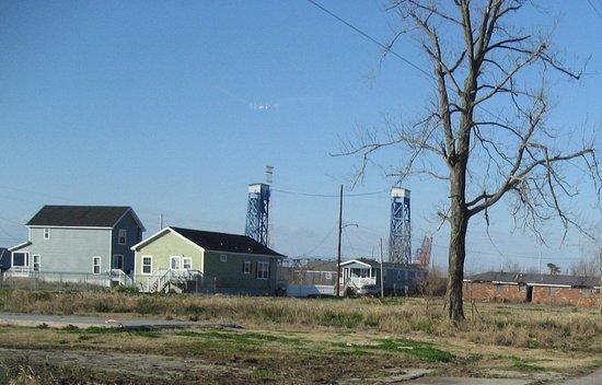 Hurricane Katrina Tour - America's Greatest Catastrophe: Lower 9th Ward