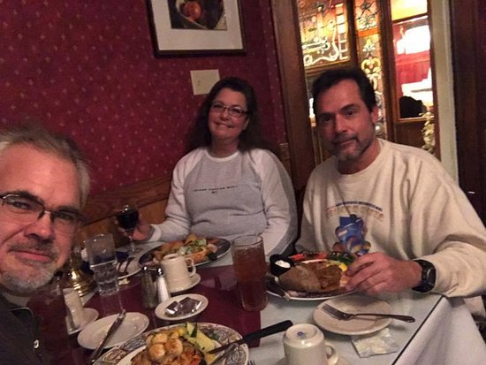 Dinner and drinks at the Olde Richmond Inn