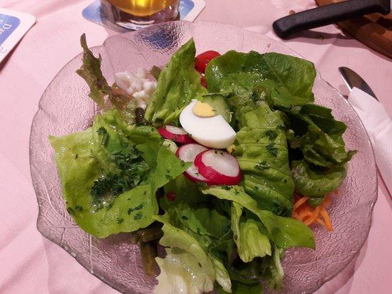 Pirmasens, เยอรมนี: La petite salade avant plat principal