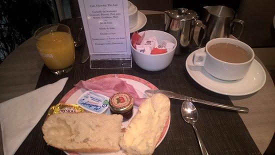 Floride Etoile Hotel: Dobra oferta śniadaniowa
