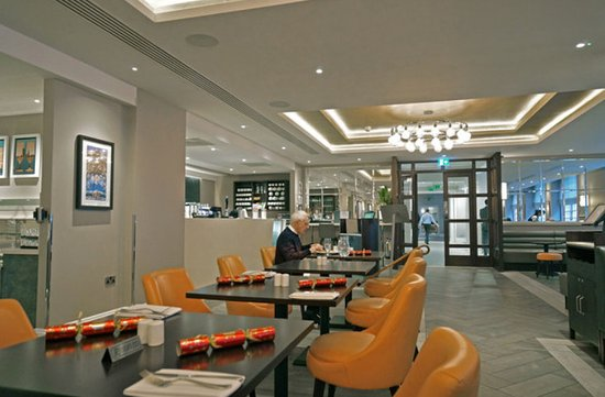 Vsc Grill Room Picture Of Victory Services Club London