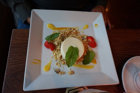 Gallaghers Gastro Pub: DECONSTRUCTED CHEESECAKE