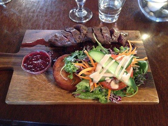 Darfield, Yeni Zelanda: Warm Venison Salad