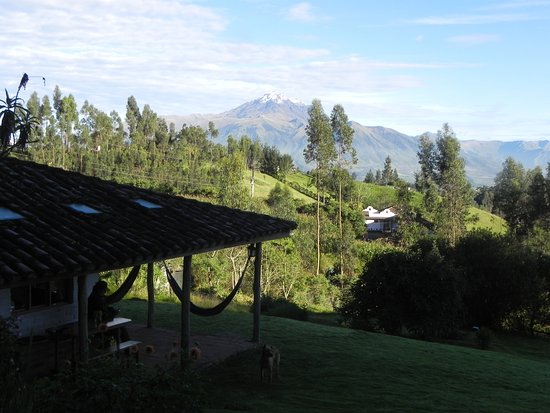 La Luna Mountain Lodge: Looking down on the main building with Cayambe in the background