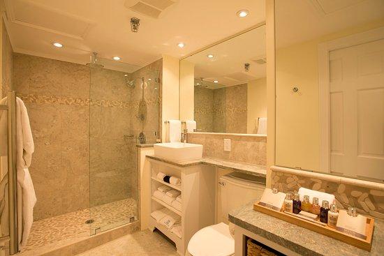 Yarmouth Port, MA: Room 5's gorgeous new bathroom